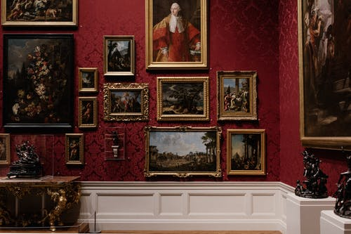 Art Galleries: Should You Go the Traditional or Digital Route?